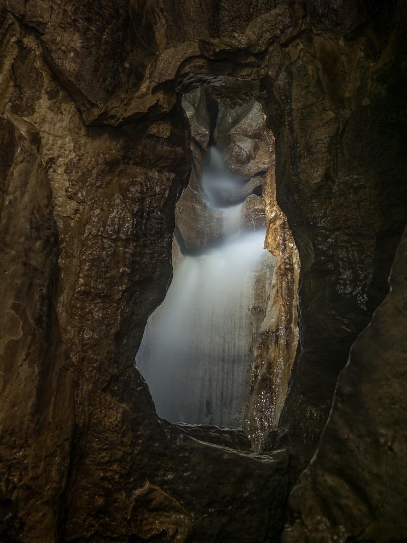 Yorda Cave (England)