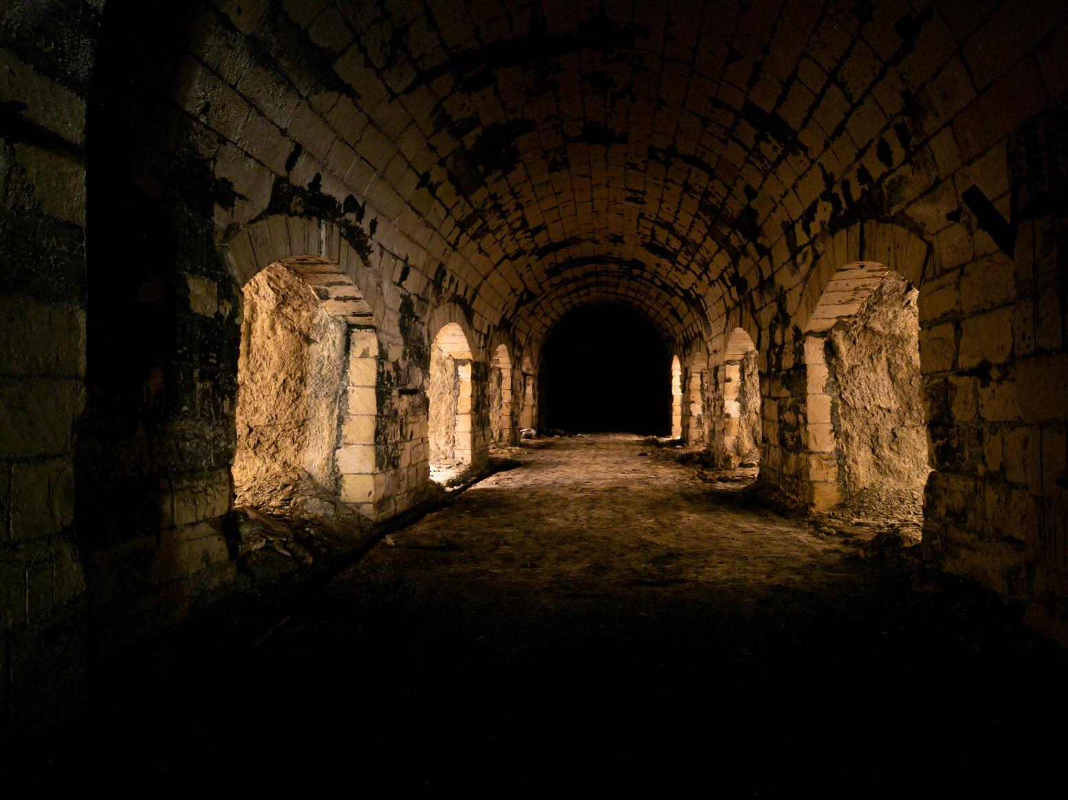Eisenbahntunnel/Luftschutz/Champignon Zucht